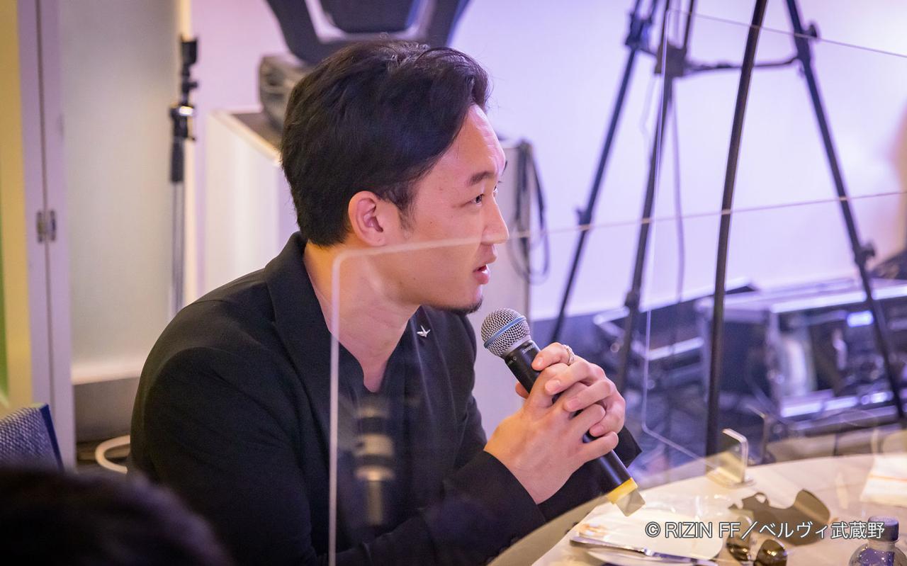 画像: シンガーソングライターのTEE氏がSPウェディングソングを熱唱!