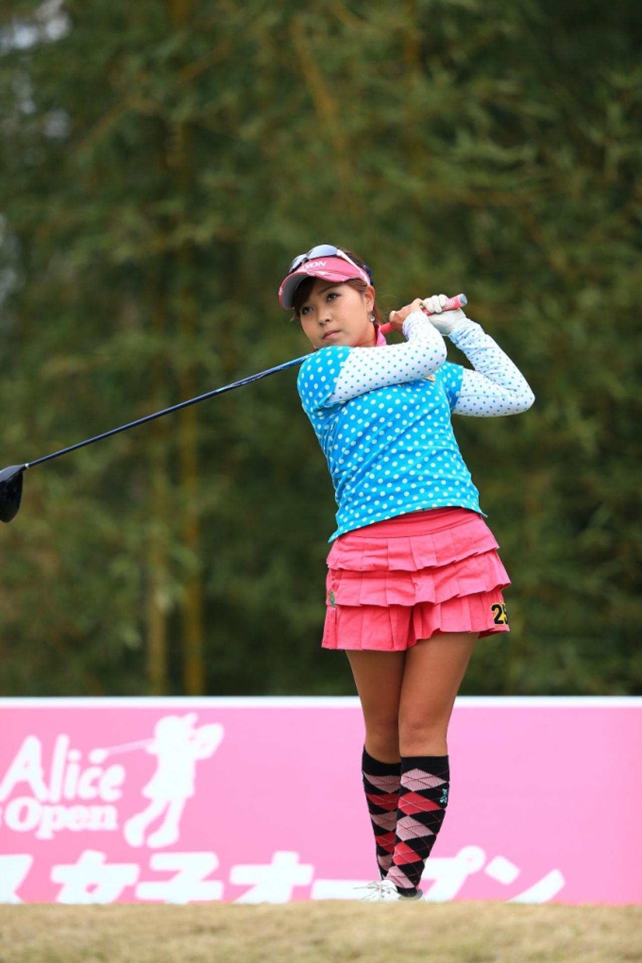画像: スタジオアリス女子オープン(2015年)のときの瀬令奈ちゃん。予選落ちしちゃったけど、この課題を胸に攻めのゴルフをしています。