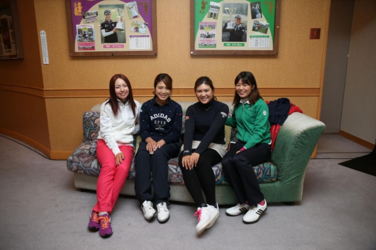 画像: 仲良し4人組でパチリ。左から江澤亜弥ちゃん、葵ちゃん、倉田珠里亜ちゃん、松森彩夏ちゃん。