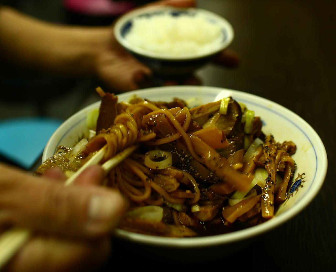 画像3: 富山ブラックの正しい食べ方~大喜編~