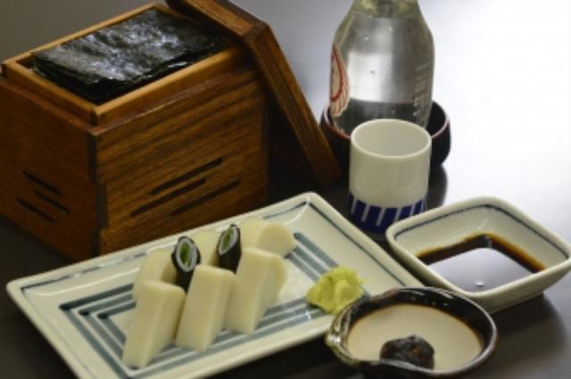 画像9: 月刊ゴルフダイジェスト1月号で紹介した「尾張屋」の上天ぷらそば。