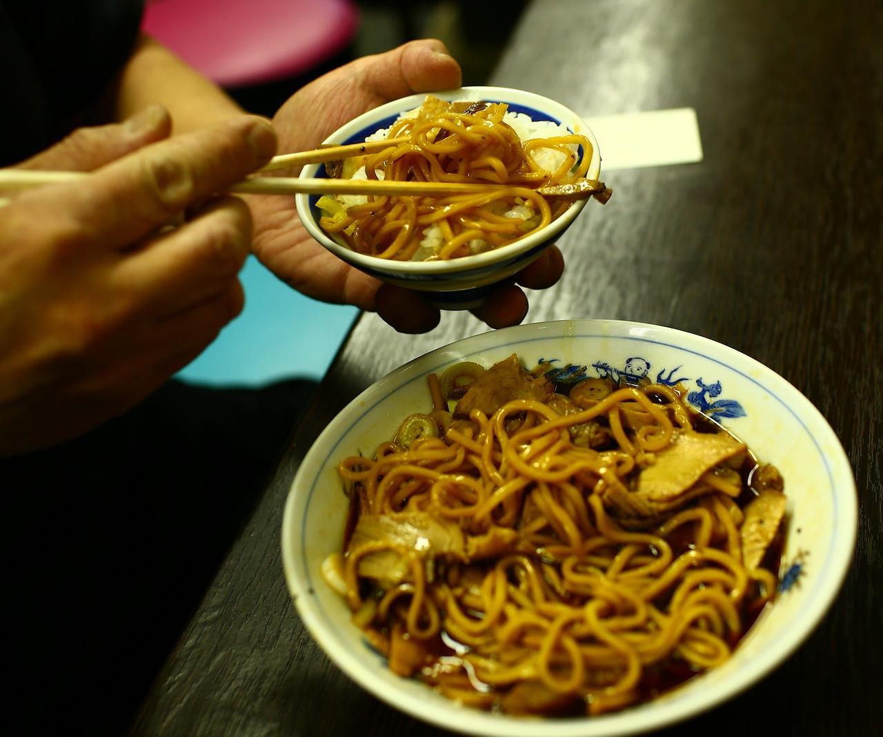 画像4: 富山ブラックの正しい食べ方~大喜編~