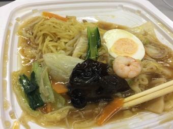 画像2: 萬珍楼さんは広東料理店らしい海鮮いっぱいのアン。