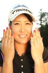 画像: 「今のネイルはこんな感じです」ゴルフに打ち込む中、女子のおしゃれも忘れません