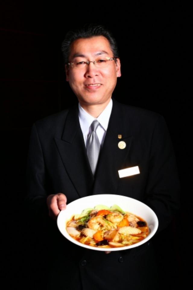 画像1: 萬珍楼さんは広東料理店らしい海鮮いっぱいのアン。
