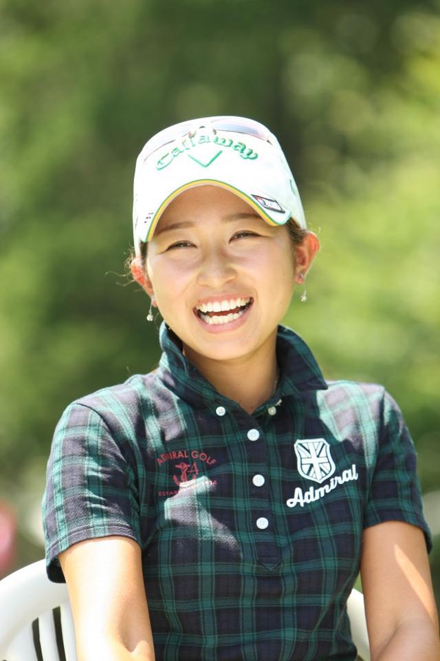 画像: プレー中は見ることのできなそうな素敵な笑顔!いつか試合を勝利で終えて、こんな笑顔を見せてね!