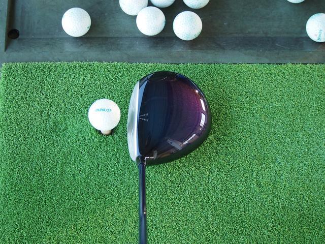 画像: ヘッドを従来モデルよりも1グラム重くし、ボール初速のアップを実現した