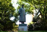 画像: ドカーンと聳え立つ「大隈先生」にもきっちり挨拶して、退散致しました。