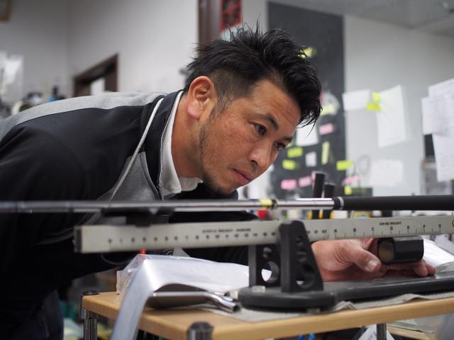 画像: 水戸でクラブ工房を営む木名瀬さん。自らの悩みを解消すべくオリジナルアイアンの製作に着手した