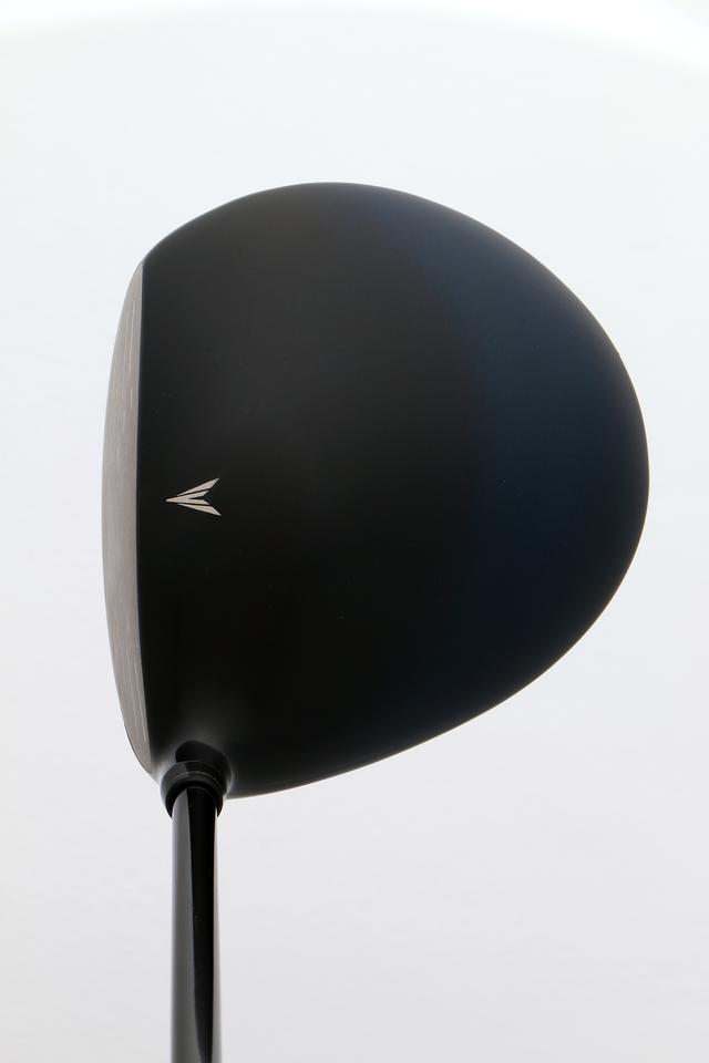 画像2: 6代目「新・ゼクシオ」 2010年発売/460 cc/46インチ ●低・深重心を確立する ●シャフトのデザインも工夫された