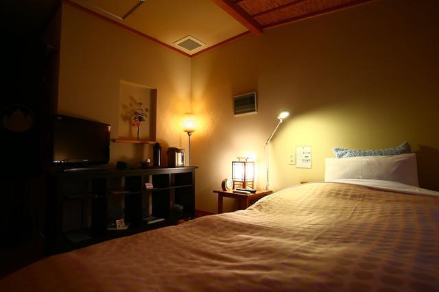 画像: 宿泊施設はホテルとロッジから選べます。こちらはロッジ。広々とした部屋と『離れ感』が良いです。
