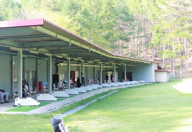画像: 全16打席の練習場。距離も200Y以上あるし、涼しいから練習するにももってこいです。