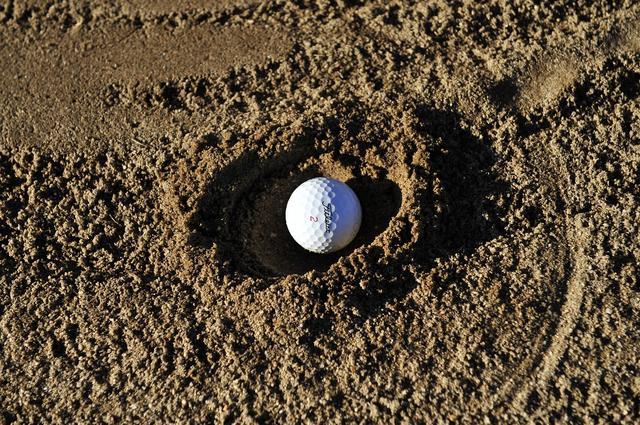 画像: ショートアイアンやウェッジでスピンが多めで高い球で落ちるとなりやすい