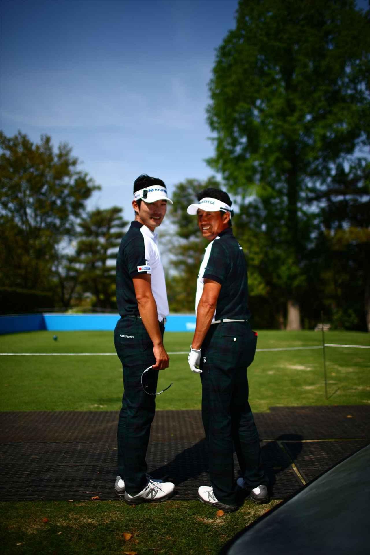 画像: 右はチームSERIZAWA率いる芹澤信雄選手、左はイケメン実力派ののキム・ヒョンソン選手。