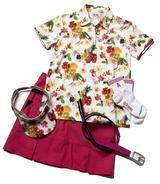 画像: 花柄ポロにピンクのスカートが可愛いレディスコーディネート
