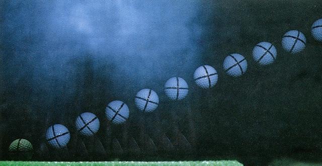 画像: LXで打ったボールの弾道