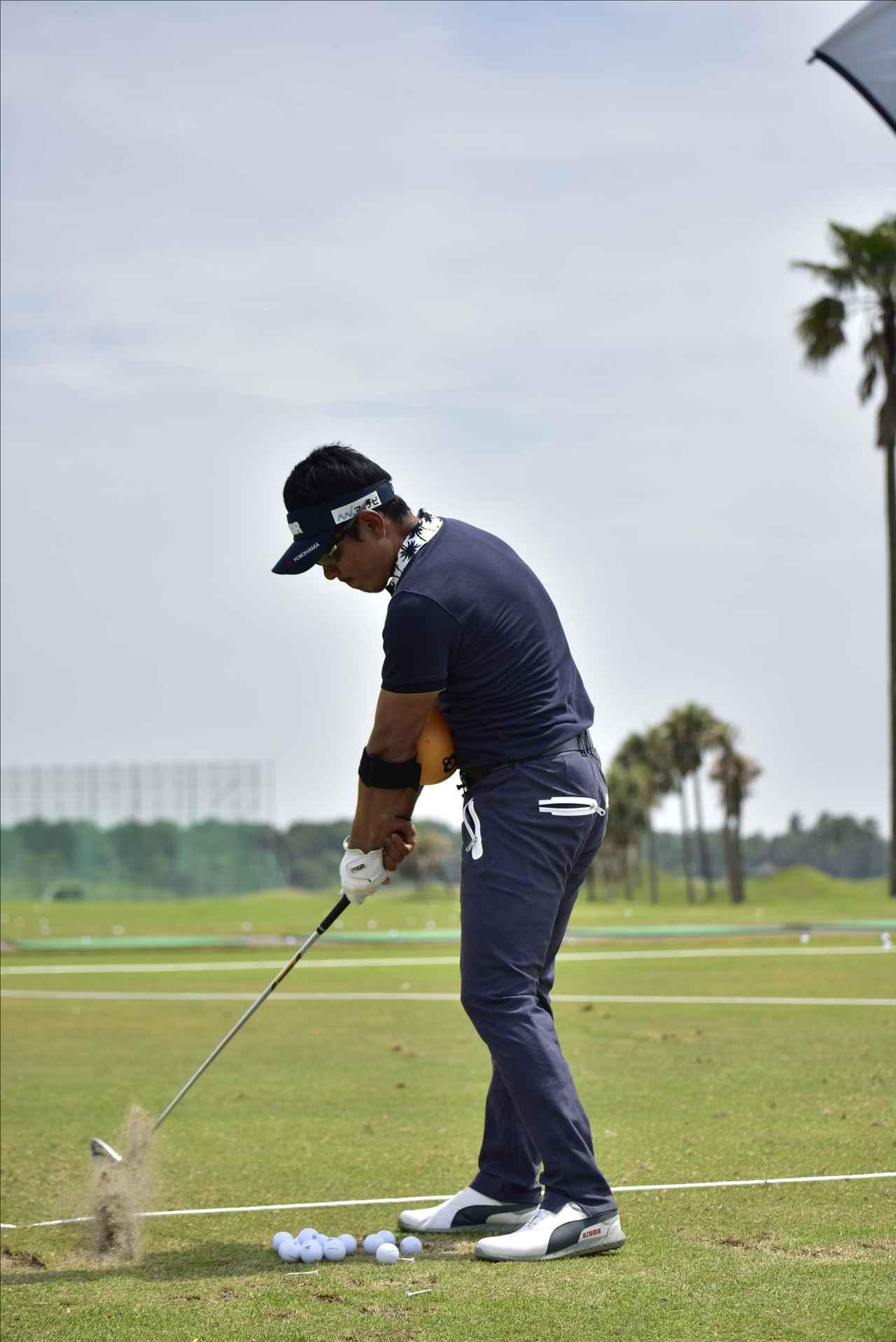 画像3: 【動画】プロゴルファーは 左打ちでも70台!?