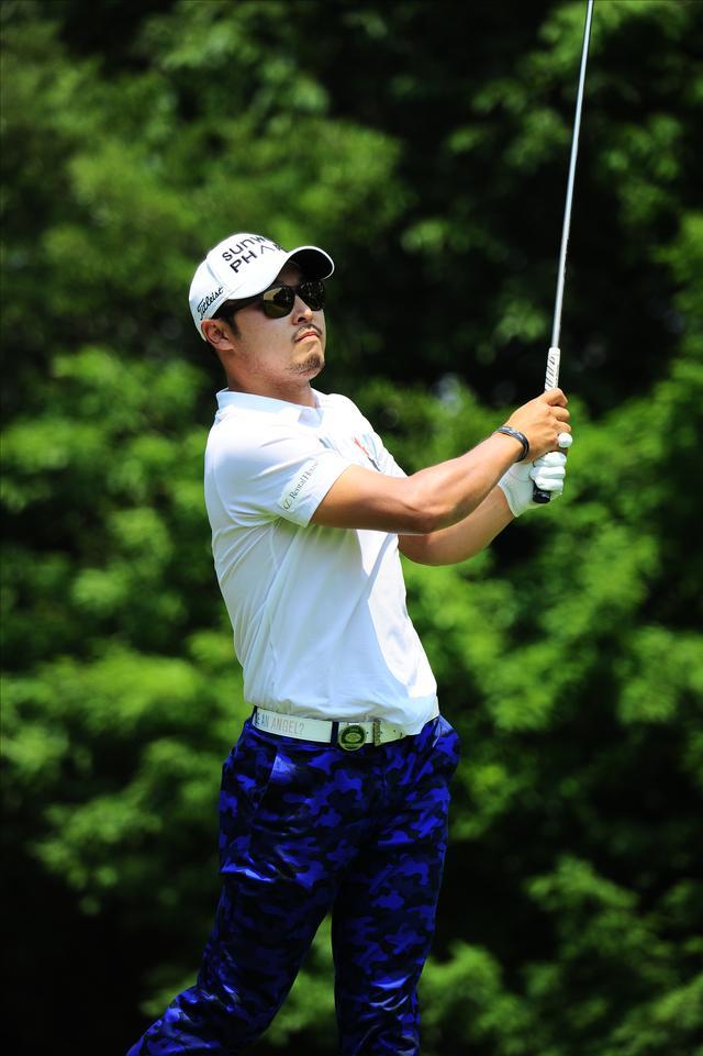 画像: 元パラシュート部隊?異色の韓国人ゴルファー