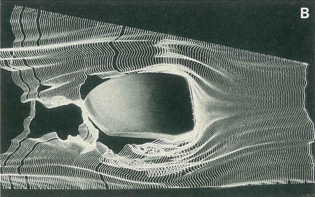 画像: 空力特性を計算せずに単にラージ化したヘッド。ミュー240iに比べ、ヘッド後方に大きな空気の乱れ(負圧部分)ができ、ヘッドスピード減少の原因となっている。
