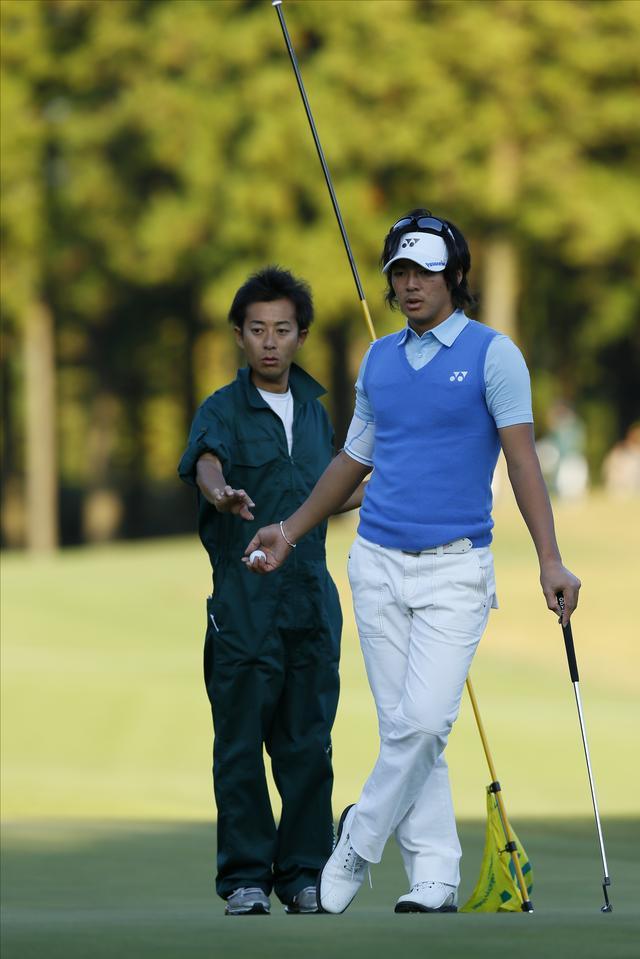 画像: ヨネックス時代の遼クン。加藤元キャディとのカップの狙いのニュアンスは違っていたのだ…