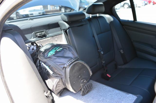 画像: 積み方②バッグを縦に突っ込む