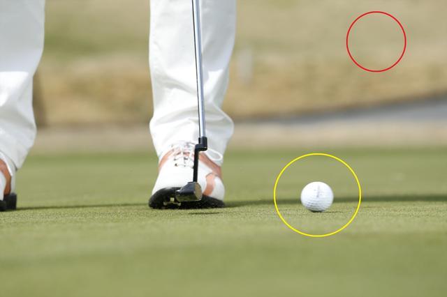 画像: 打ち出しでボールが弾まないように転がす