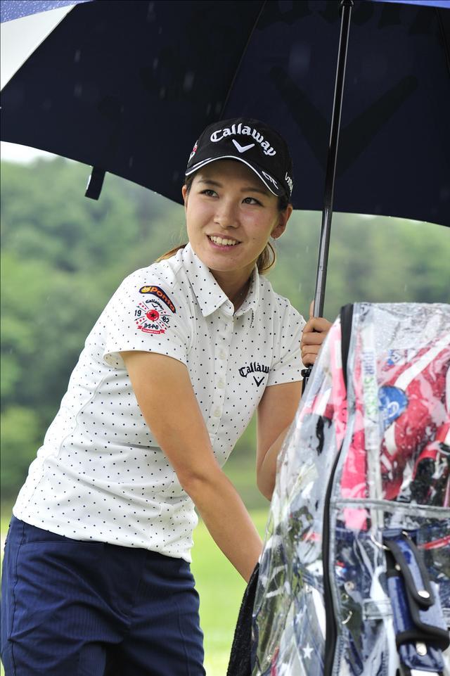 画像: 雨が降りしきる中、六甲国際の練習場で元気に練習していた光里ちゃん