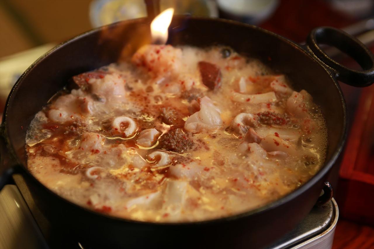 画像2: 博多の最深部で見つけた「もつのすき焼き」