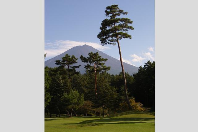 画像: 7番ホール 60Y。富士山を見ながら回れるホールは贅沢気分が味わえる