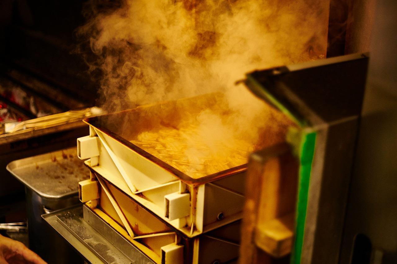 画像: 蒸すのは、ふんわりした食感を出すための伝統だ