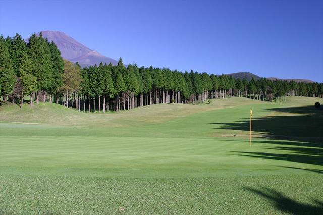 画像: 最前列から富士山を独り占め 十里木カントリークラブ - みんなのゴルフダイジェスト