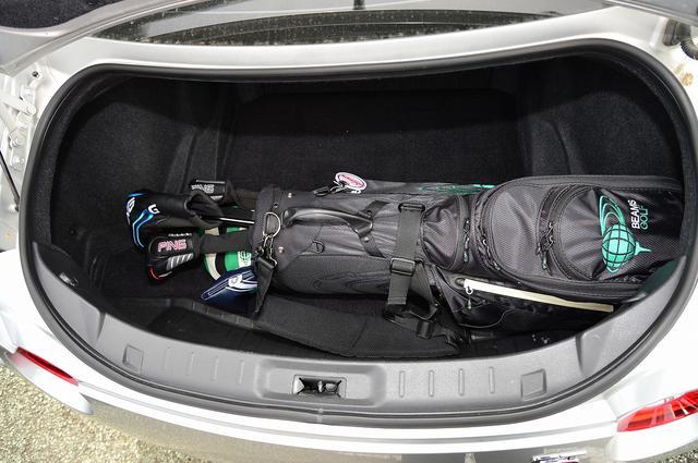 画像: バッグ2個を楽に積める