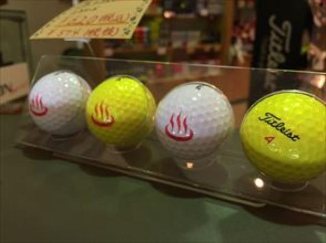 画像: ちなみにそのシングルさんは普段は白いボールですが、霧の日は黄色いボールを使っていました。さすが手慣れてますね…。