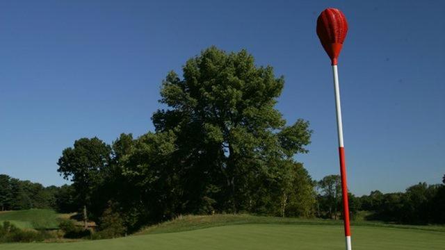 画像: 実際にこの旗竿は2013年のUSオープン開催コース『メリオンGC』で使用されている www.meriongolfclub.com