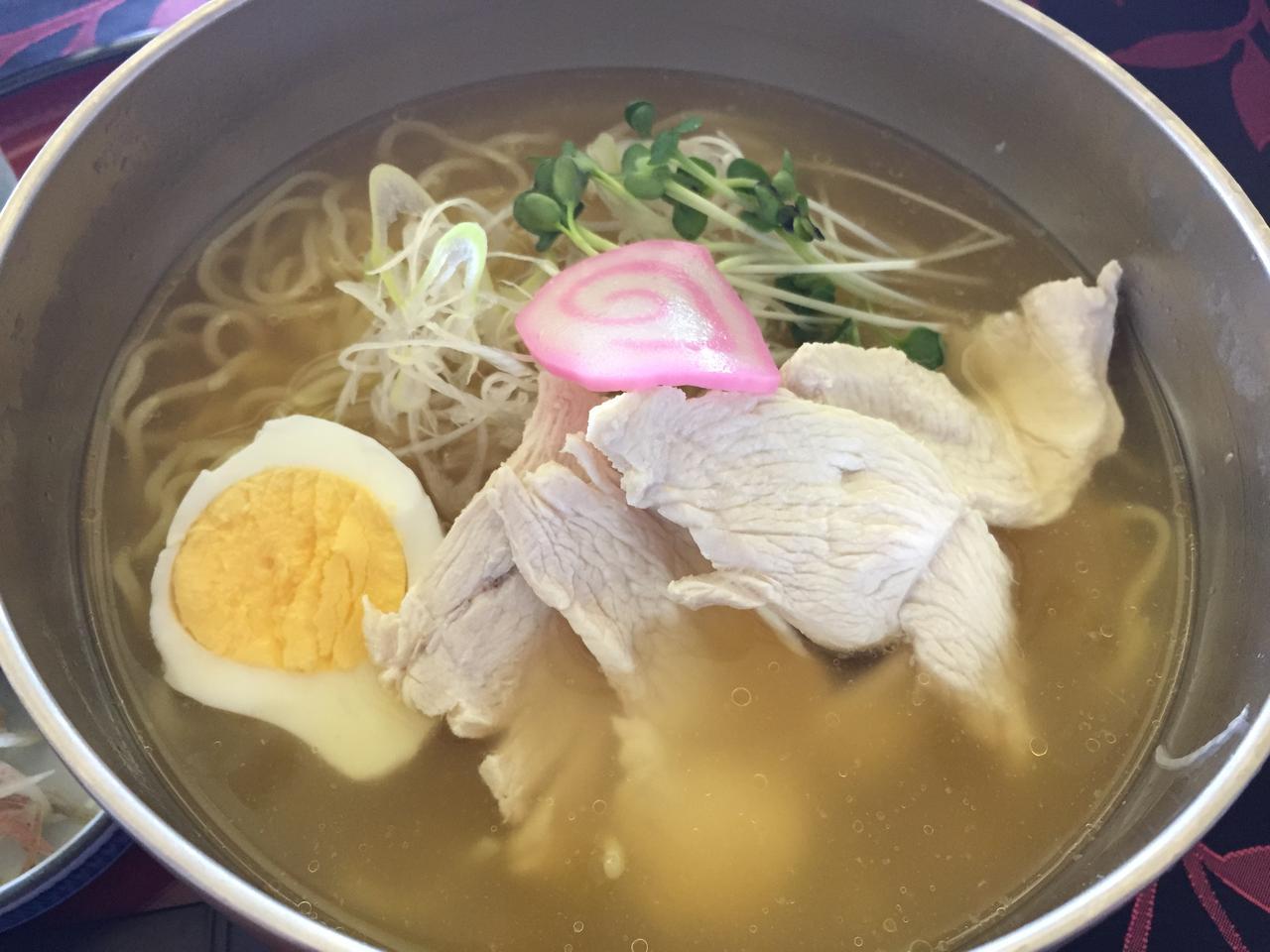 画像: 鶏ガラと塩あっさりスープが楽しめる!冷やし塩ラーメン@西宮六甲ゴルフ倶楽部 - みんなのゴルフダイジェスト