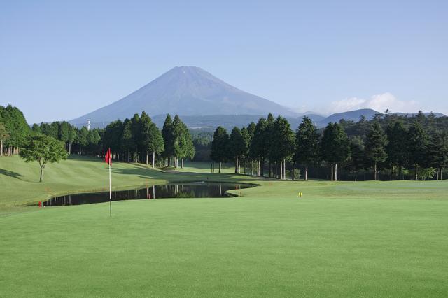 画像: 雄大な富士山の姿を拝める