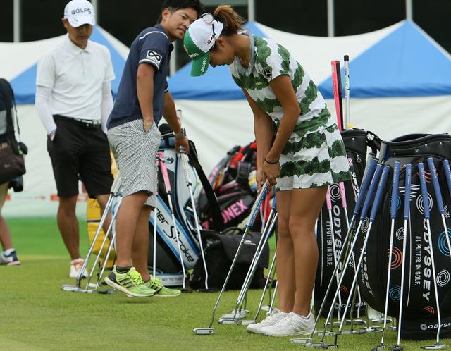画像: 【パットのお悩み相談室】(11) パターが変われば打ち方も変わる!その1 - みんなのゴルフダイジェスト