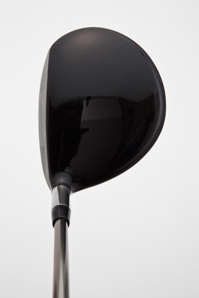 画像: ナイキ・Vrツアー クラシックなロングネックで、重心位置は高め。ハードヒットを誘う形となっている。