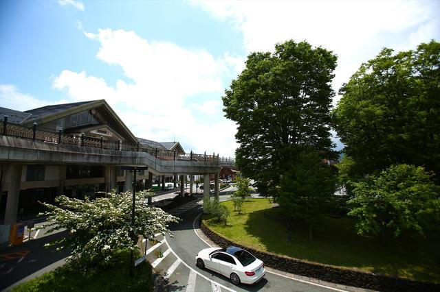 画像: 軽井沢本通りの信号2つまでの間に8軒ものそば屋がある。1軒にしぼるのも大変だ