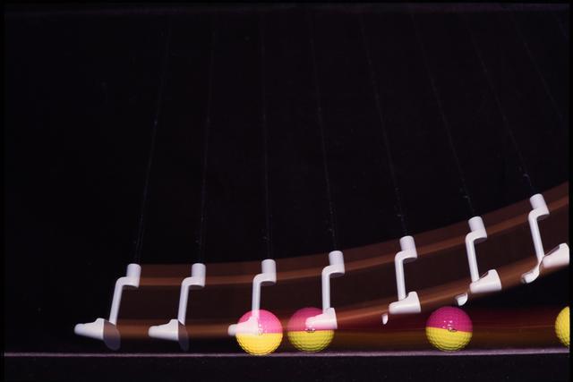 画像2: 球の赤道をパターの下で打つ