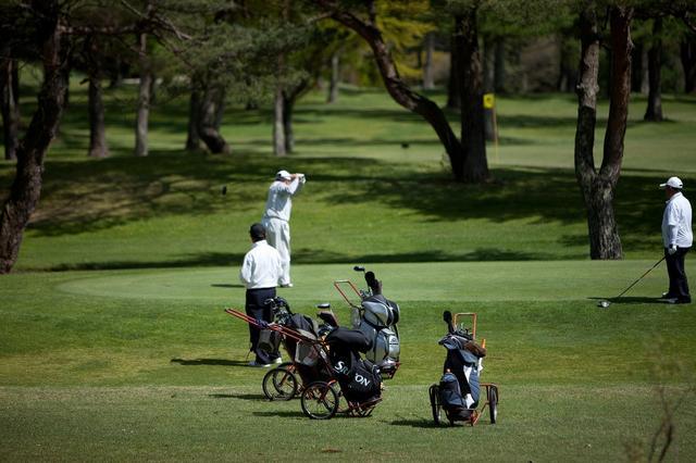 画像: 晴山ゴルフ場(18H・5742Y・P70)今でも手引きカートで回るもっとも″軽井沢″なゴルフ場。昼食は、隣のピザーラか焼肉店を利用しよう