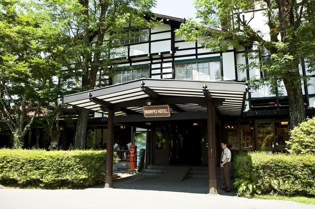 画像: 万平ホテルのカフェテラスはジョンレノンファミリーも利用していた。夏には爽やかな風が吹き抜け軽井沢らしさを感じる