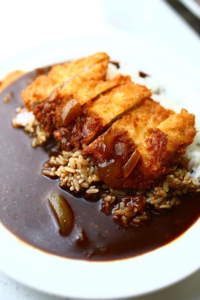 画像6: 【動画】今日はじめて「キッチン南海」でカツカレー食べたんですけど…