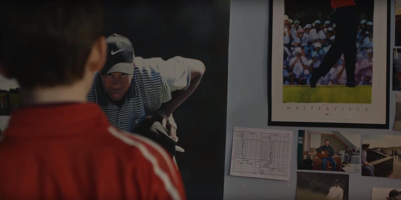 画像: 部屋にはタイガーのポスター
