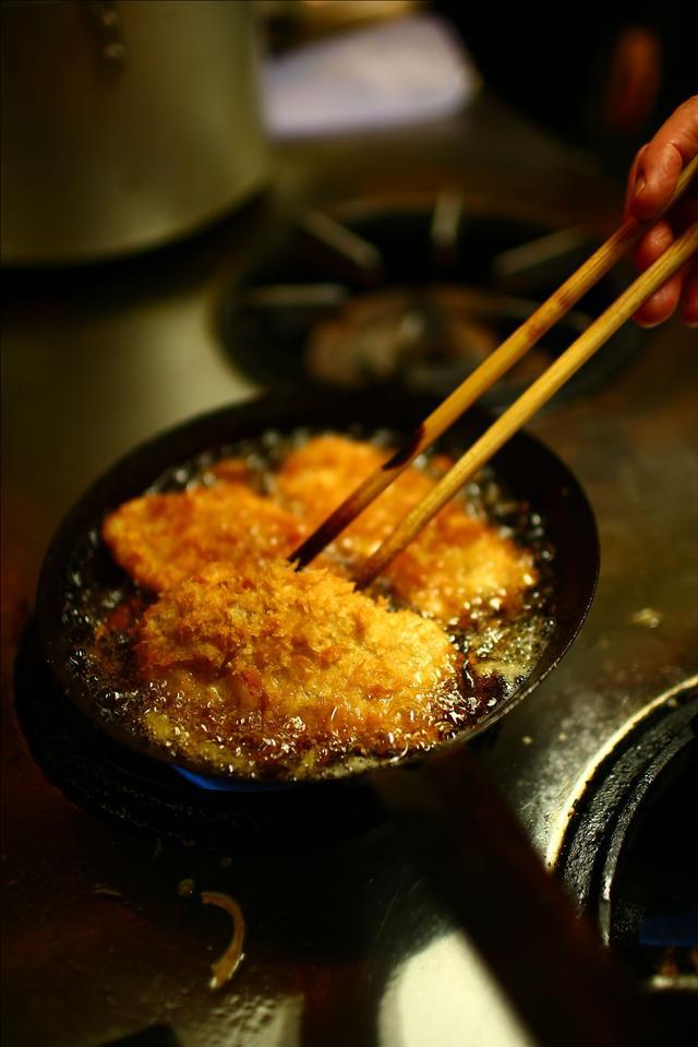 画像12: 【動画】今日はじめて「キッチン南海」でカツカレー食べたんですけど…