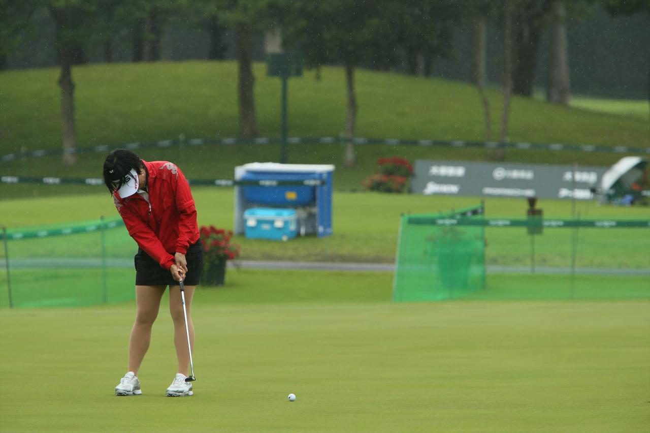 画像3: 大山志保もやっている!「練習グリーンはボールひとつでゲーム感覚」