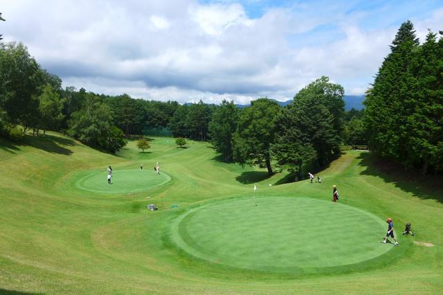 画像: 【全日本SC選手権】気温22度の鳴沢で関東C予選! トップは「5オーバー」 - みんなのゴルフダイジェスト