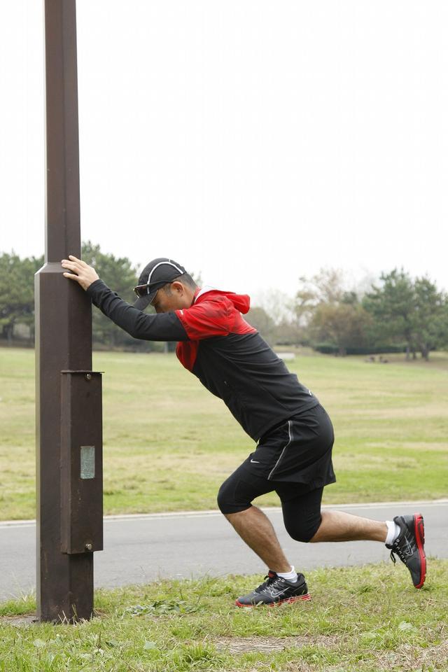 画像: ひざが90度曲がるところまで!