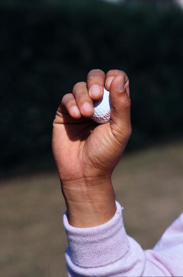 画像: 遅いボールのグリップ