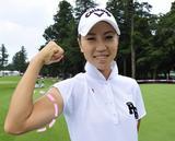 画像: 「わたしけっこう力こぶないですよ」と、言う上田プロは26cm。(※2014年撮影)